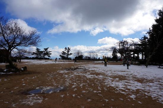 残雪掬星台