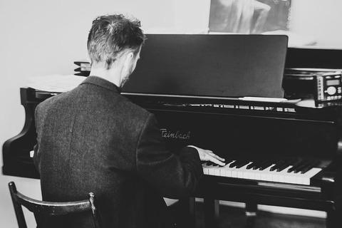 pianist-2225226__480