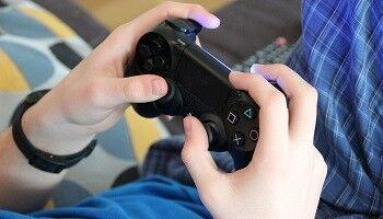 今の40代から上の人達って「テレビゲームは悪!」って意識があったみたいだけど