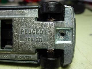 pug205-2