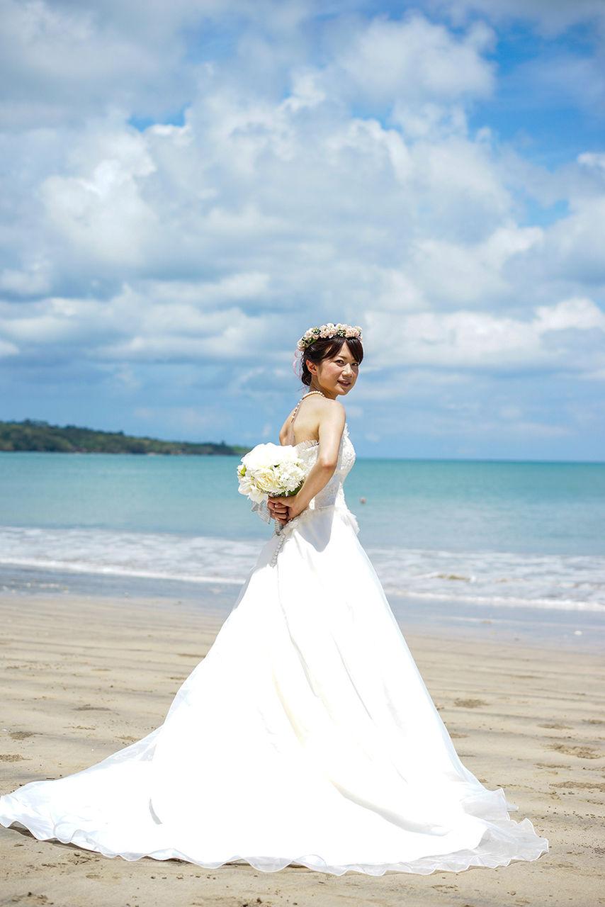 16e166e5550c4 アマンダサロンには常時100着以上のドレスをご用意しております。 きっと運命の1着に出会えるはず