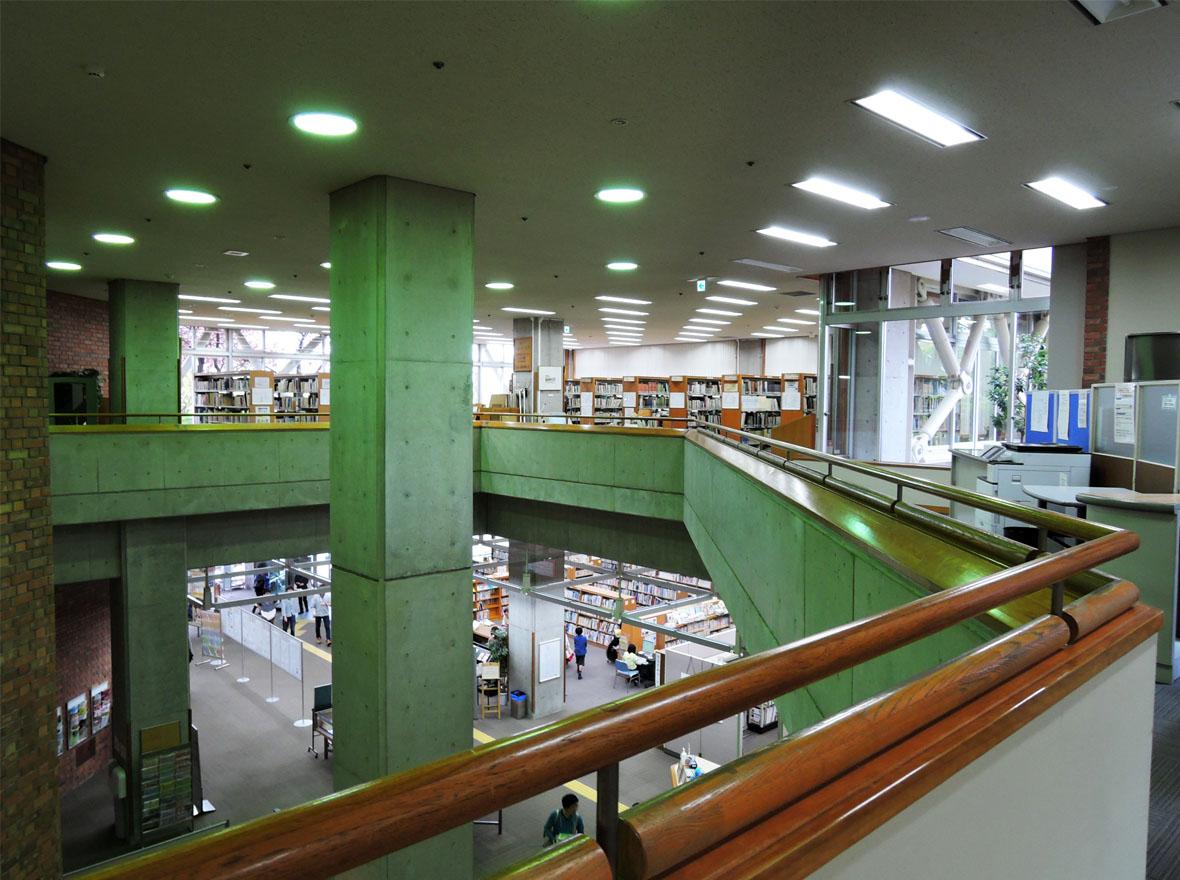 神戸市立中央図書館 : 公共施設/デザイン