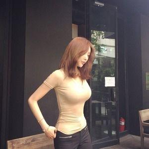 【ドスケベボディ】くびれ巨乳な美人さんの着衣巨乳画像www