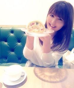 「いつもなんか食べてる」声優・野中藍ちゃんのグラビア&オフショット画像 表紙