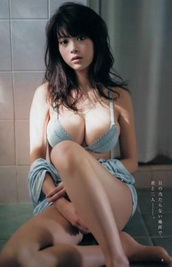 たわわな乳房がパイズリ向きな馬場ふみかの水着画像!