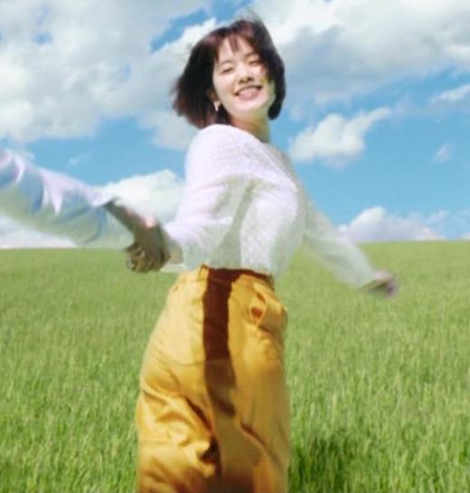 筧美和子 おっぱいが揺れまくるCMのGIF動画