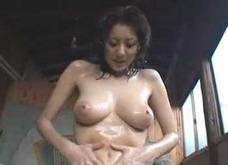 【麻美ゆま】エロスイマーゆまちゃん!ハードな練習の後、お風呂でオナニーしちゃう!