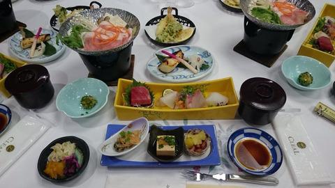 鞘師バスツアーの食事。普通に豪華。今までで一番じゃないか?!