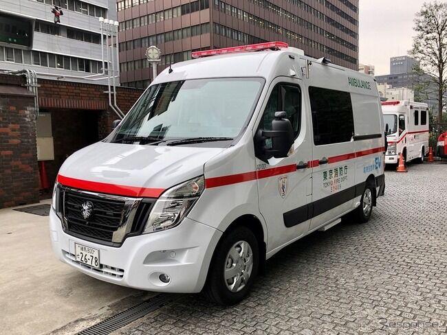救急車が来ても車10台以上が止まらず無視される動画に批判集まる。 「普通、道譲るよね」「日本人の民度落ちた」