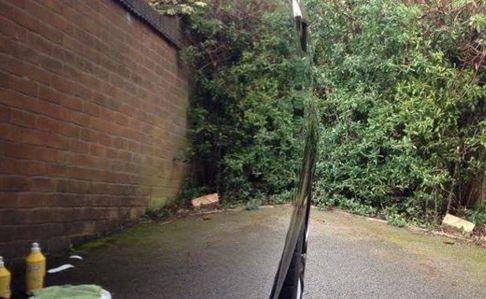 【三度見必須】車を磨きまくった結果、だまし絵にしか見えない写真が撮れる!なんじゃこりゃああああ!