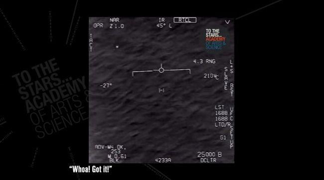 米軍が遭遇した「未確認飛行物体」の映像が公開! パイロットテンション上がりすぎwwwww
