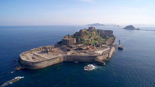 【悲報】廃墟マニアの聖地『軍艦島』が観光禁止に、理由が…