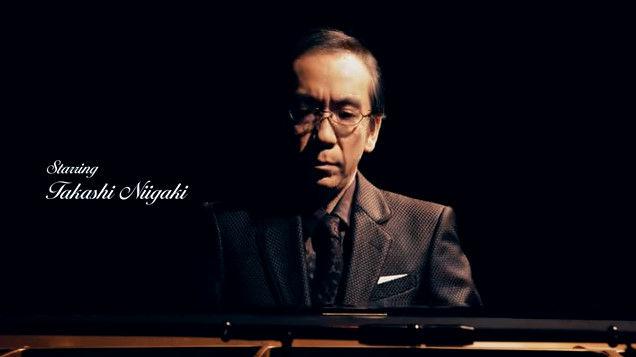 仕事を選ばない作曲家・新垣隆さん、シュールストレミングの匂いを嗅ぎながらピアノを弾くCM動画に出演wwwwwwwww