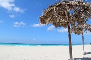 beachinvaradero-compressor-640x427