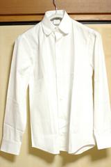 丸襟シャツ
