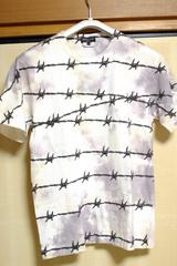 有刺鉄線プリント T シャツ