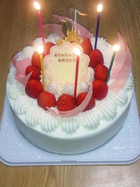 おばあちゃんの誕生日ケーキ★