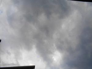 DSC03287.JPG 雨が降り出した