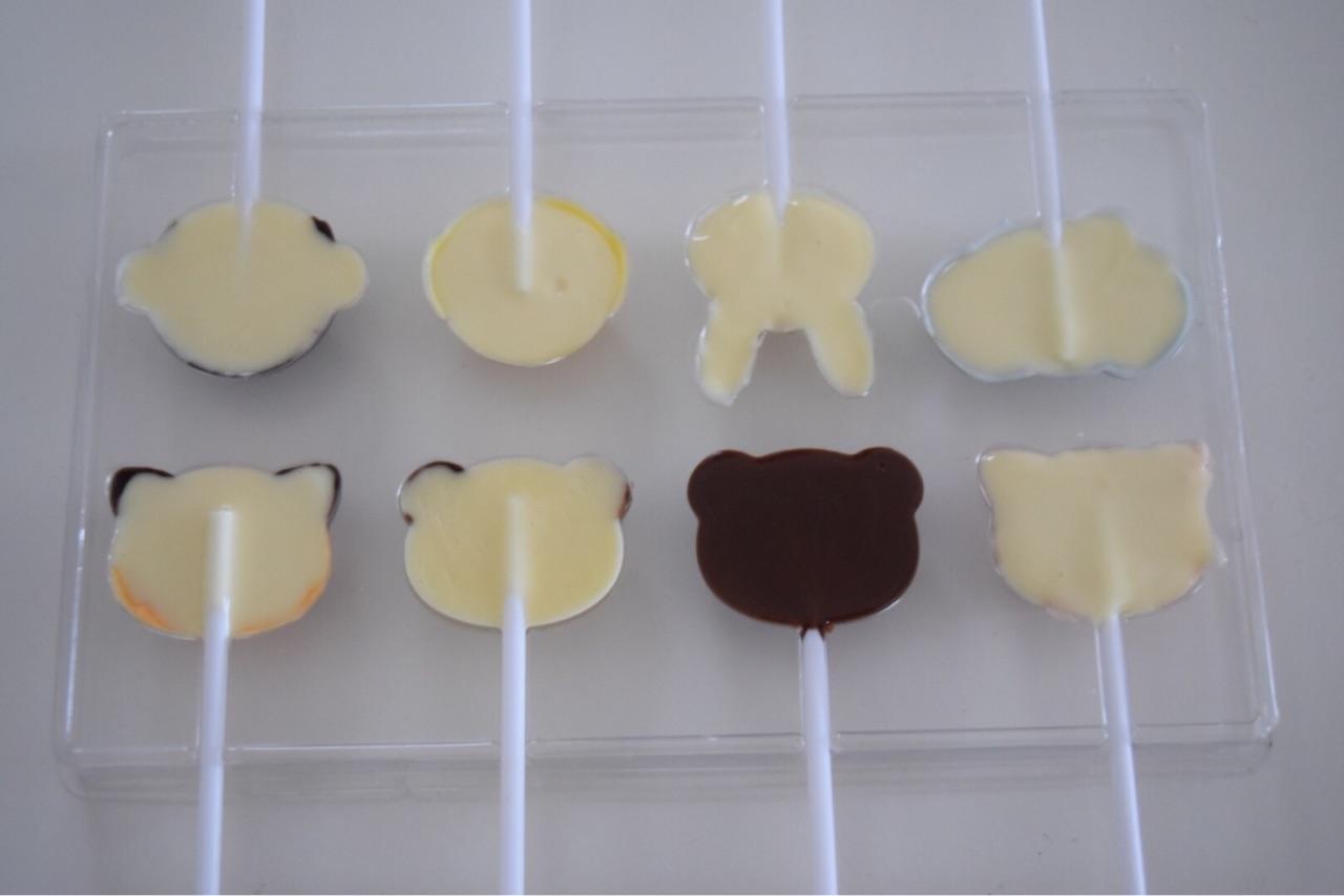 チョコペン活用でカラフルにキャンドゥ アニマルロリポップ型チョコ