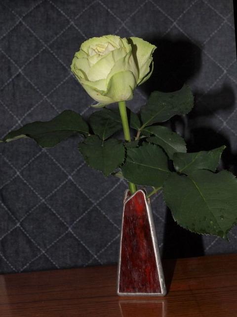 2018 06 08 今日の一輪挿し薔薇「わかな」