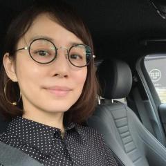 石田ゆり子、ボブヘアにした姿を初公開し大反響「髪も良いけど肌が綺麗」