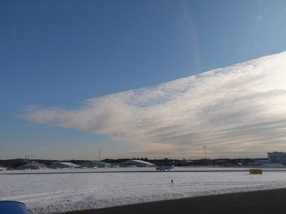 cloud-with-two-razor-straight-edges