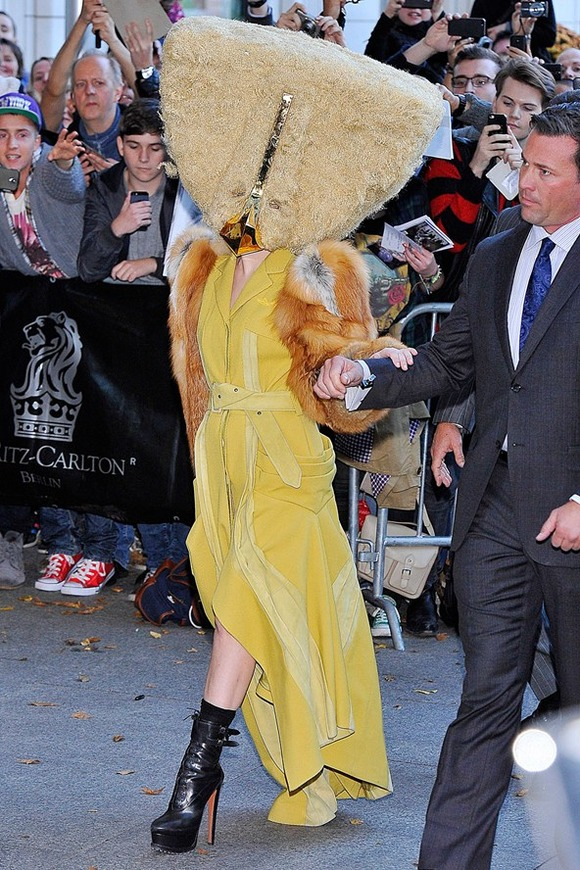 fury-gaga-10-outrageous-outfits-Lady-Gaga