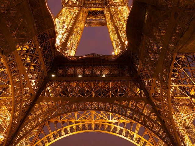eiffel tower metal frame close up 8