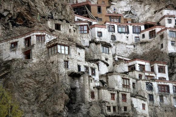 phugtal-monastery-10[2]