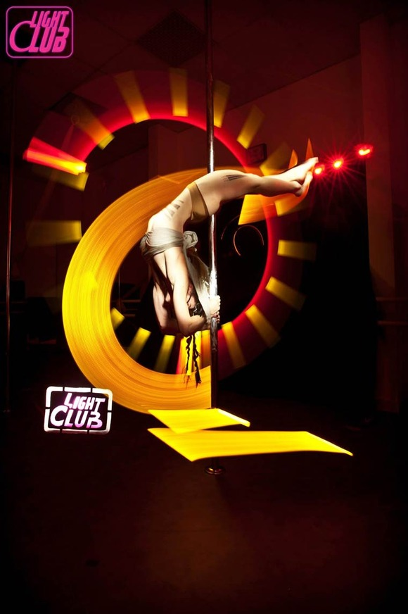 Pole-Dance-Light-Painting-Wen-Jie-Yang-3