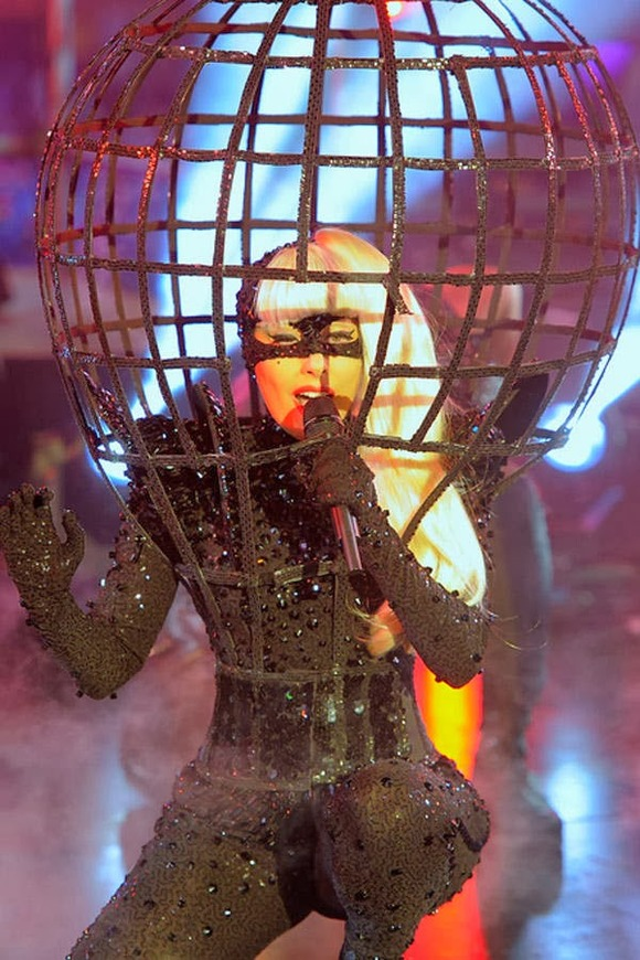 Black-Caged-Gaga-outfit-10-outrageous-outfits-Lady-Gaga