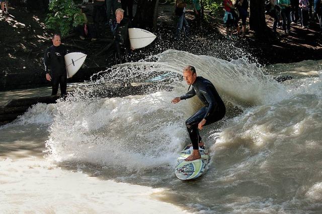 munich eisbach surf surfing 11
