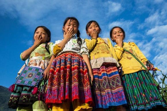 Rehahn-Hidden-Smiles-in-Vietnam-17
