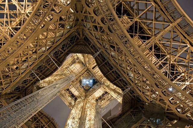 eiffel tower metal frame close up 7
