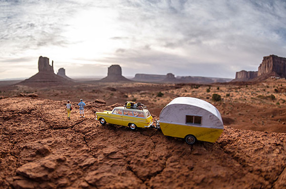 5-Miniature-toy-figures-in-real-world-by-Kurt-Edwige-Moses