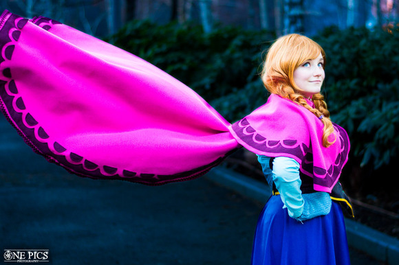 anna_frozen_cosplay_by_majcosplay-d774v7g