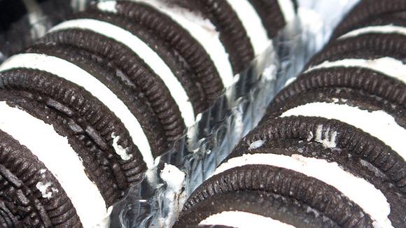 Kotaku_201304_oreo_mega_stuf_cookies_3