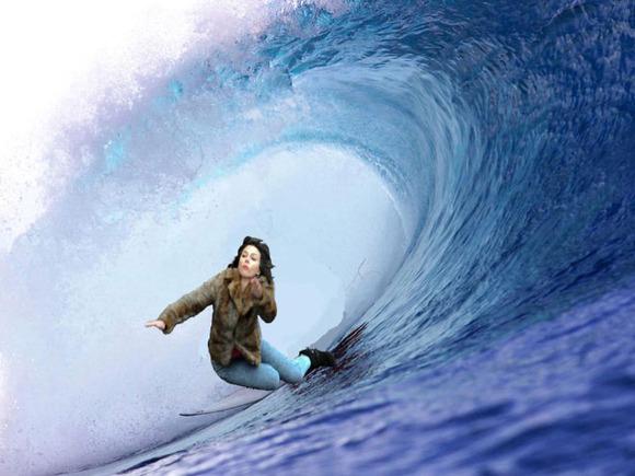 Scarlett-Johansson-Falls-Down-Internet-Takes-8