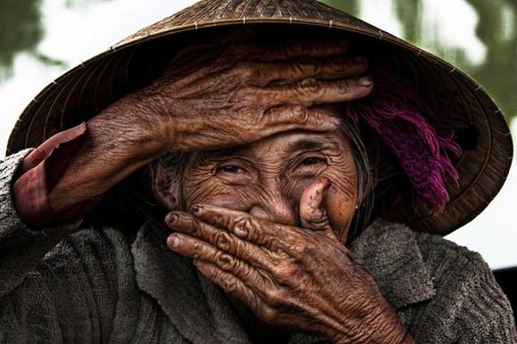 Rehahn-Hidden-Smiles-in-Vietnam-2