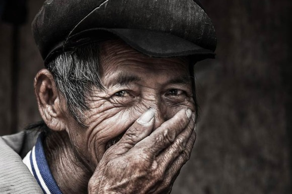 Rehahn-Hidden-Smiles-in-Vietnam-8