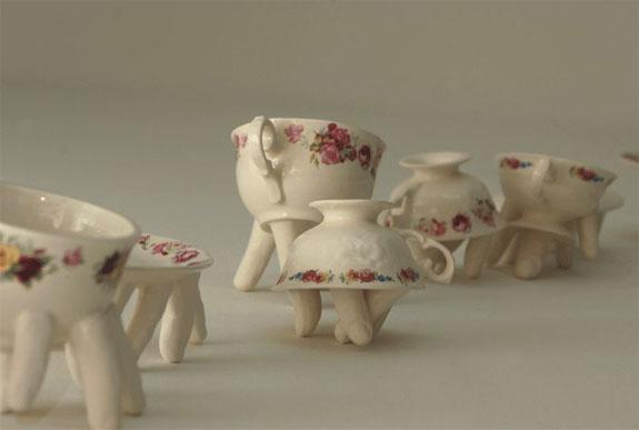 creative-mugs-walking-2