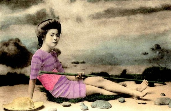 Swimsuit-girls-from-old-Japan-16