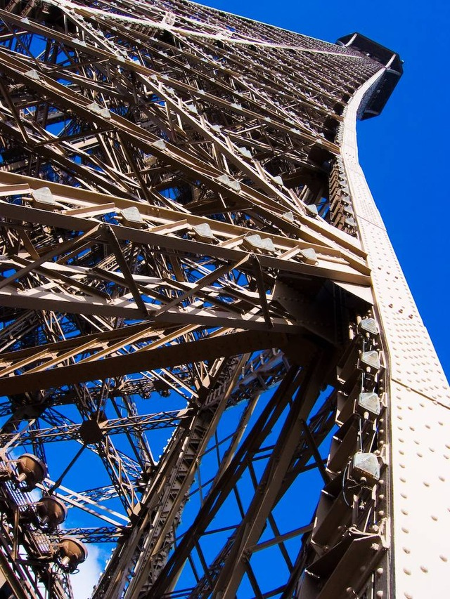 eiffel tower metal frame close up 3