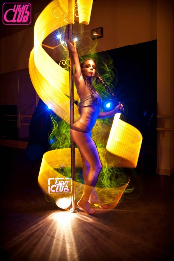 Pole-Dance-Light-Painting-Wen-Jie-Yang-10