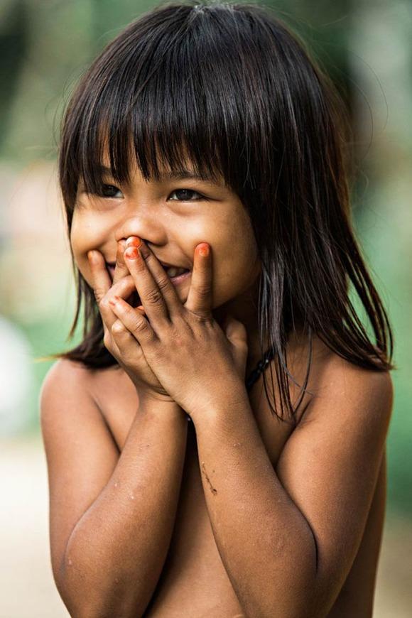 Rehahn-Hidden-Smiles-in-Vietnam-11