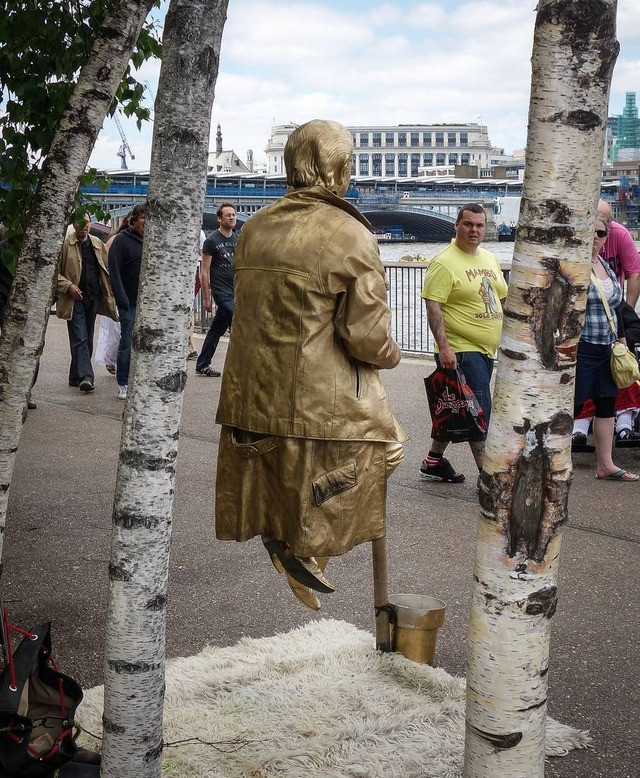 living statue suspended balancing in mid air 4