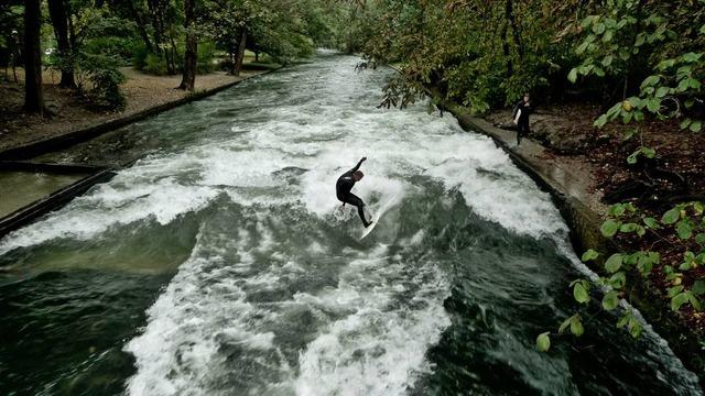 munich eisbach surf surfing 4