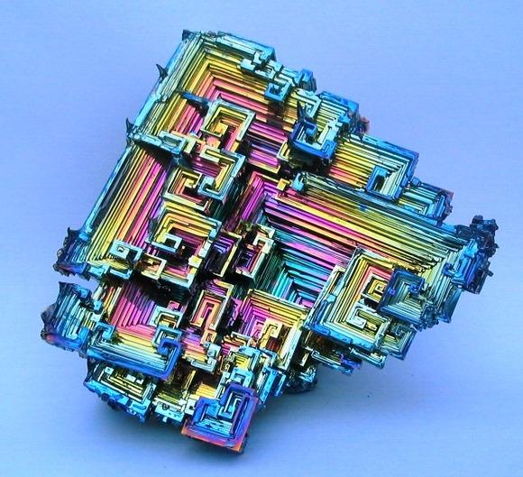美しい元素の結晶ビスマス鉱石 - cureco beta