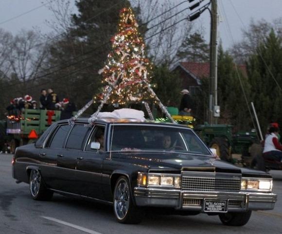 christmas-car-decorations-10-600x498