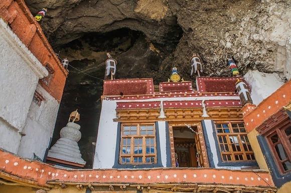 phugtal-monastery-3[2]